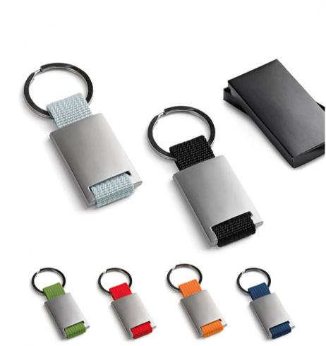 Nøglering I metal og nylon - flere farver.